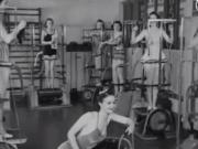 据说这是1940年的女子健身房,真的好适合懒人健身!