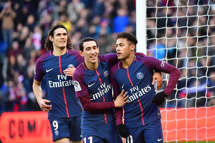 库尔扎瓦:巴黎5-2斯特拉斯堡复仇成功卡瓦尼两球