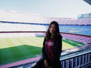 女球迷采访:喜欢内马尔、立志为中国足球做贡献的曼曼