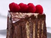 又到了深夜放毒的时间,这款诱人的巧克力蛋糕值得你学习
