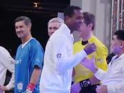 克鲁伊维特握手时忽略马拉多纳,随后球王眼神中透露了什么?