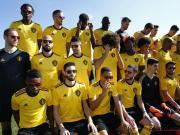 社会,比利时国家队戴墨镜拍定妆照