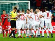 拜仁客场6-2大胜药厂晋级德国杯决赛,穆勒戴帽,莱万两球