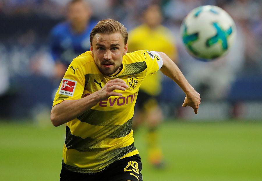 施特格尔:队长也是普通球员