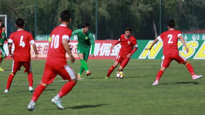 北京时间4月27日下午,2018年全国青少年足球超级