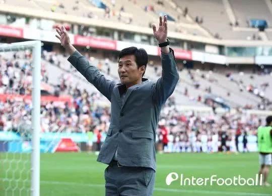"""韩国足球周报:李乙容""""唤醒""""沉睡首尔,"""