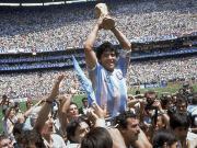 世界杯故事:一半天使,一半魔鬼——永远的马拉多纳