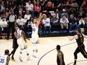 不说足球:勇士客场108-85胜骑士,总比分4-0卫冕NBA总冠军