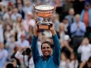 不说足球:纳达尔3-0蒂姆,第11次捧起法网男单冠军奖杯