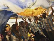 世界杯前线随笔3:阿根廷球迷身上的梅西,梅西身上的阿根廷