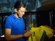 02年那支五星连珠的巴西队中,唯卢西奥依然奋战在球场之上