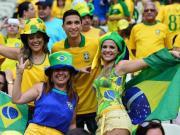 """世界杯,将""""萌新""""女生带入足球坑的正确姿势"""