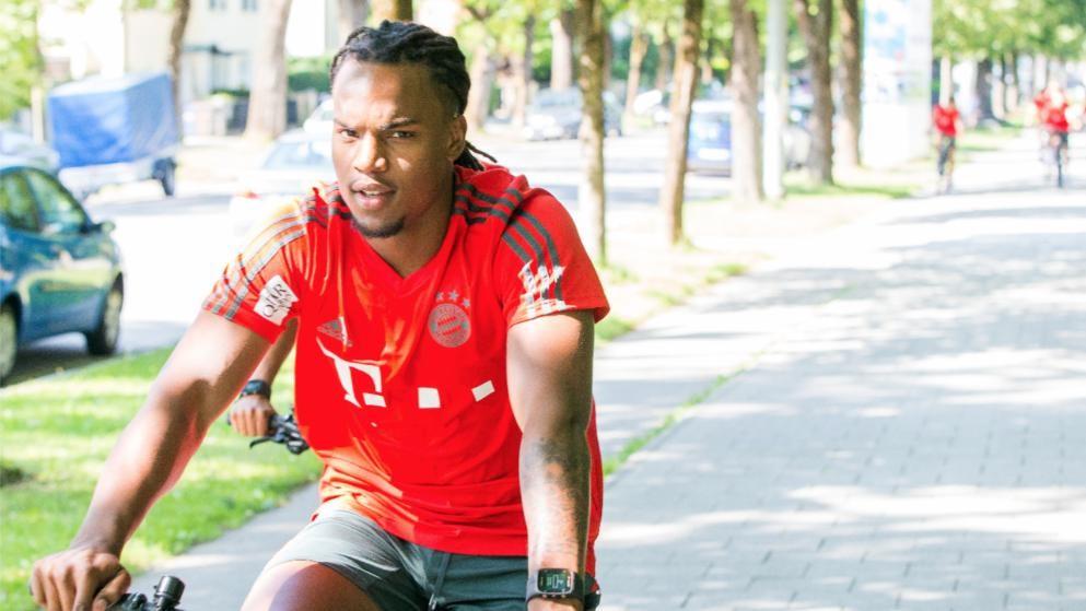 365足球直播:雷纳托已经准备好回拜仁参加集训。