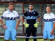 拉齐奥正式公布新赛季主场球衣,胸前赞助广告暂时空缺