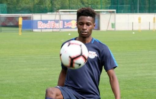 官方:莱比锡签英格兰U16国脚