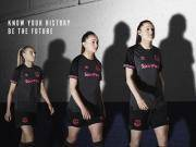 小姐姐当模特,埃弗顿18-19赛季客场球衣发布
