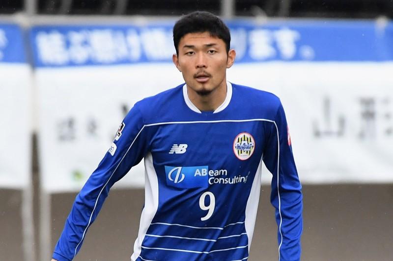 官方:横滨FC签下山形山神前锋