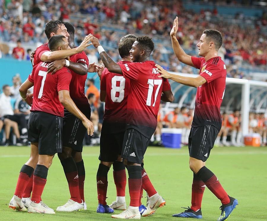 半场战报:曼联2-1皇马