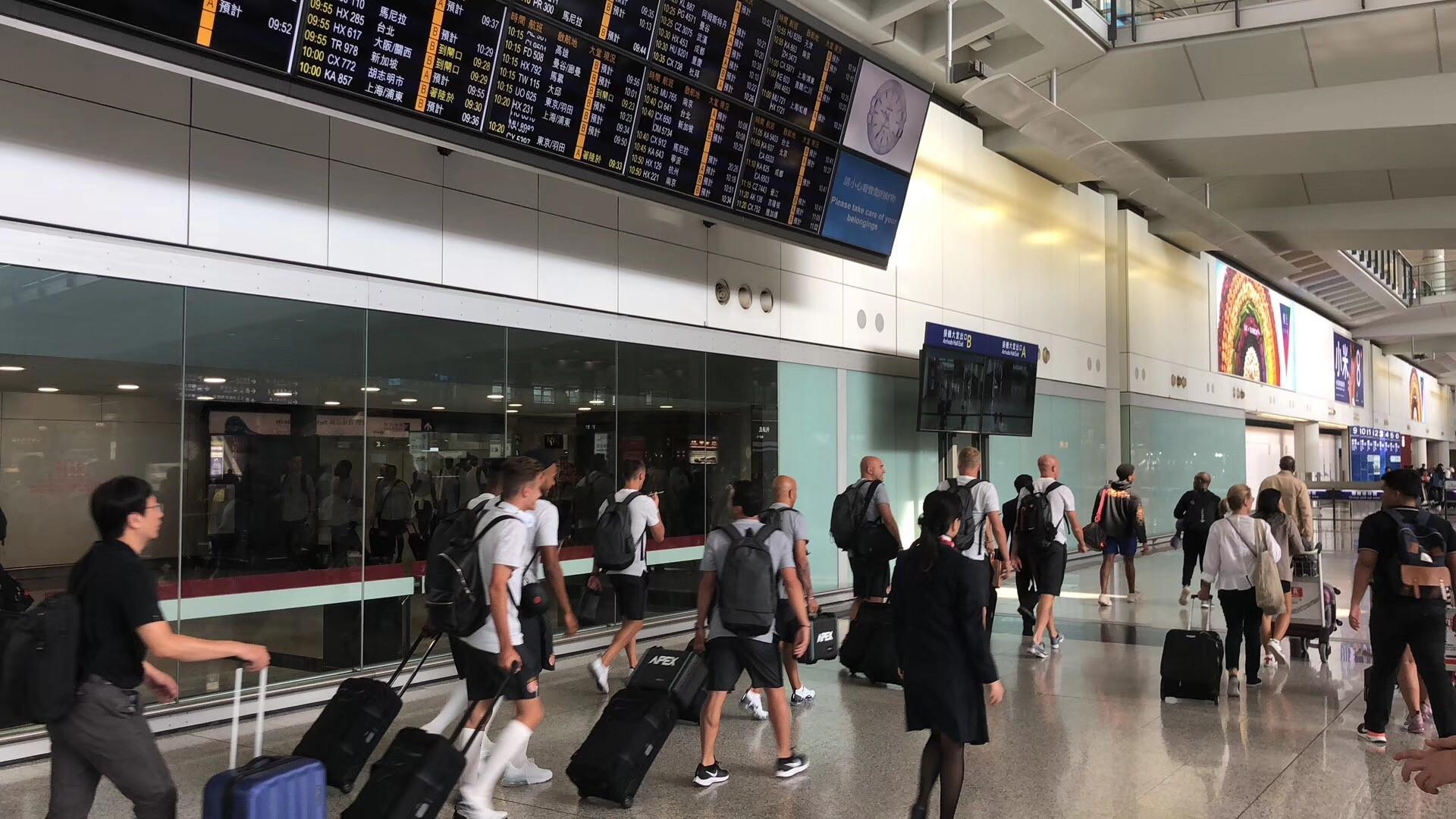 早安!期盼已久的红白军团终于到达中国啦