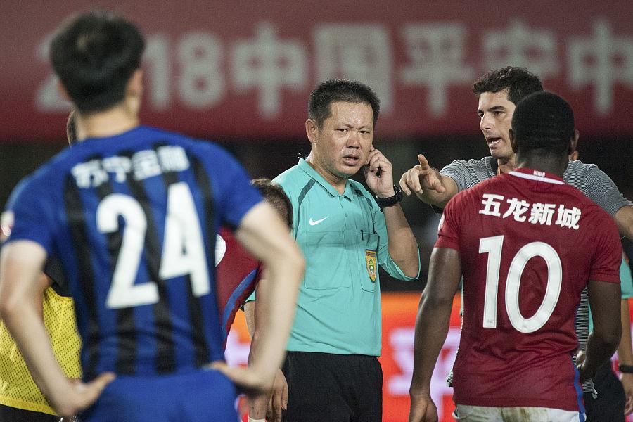 卡兰加因脚踢李昂吃到红牌,他可能会面临追加