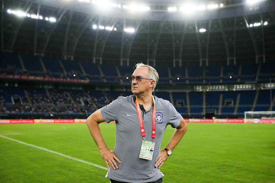 施蒂利克:惠家康百场所以担任队长;进球不被吹可能影响结果