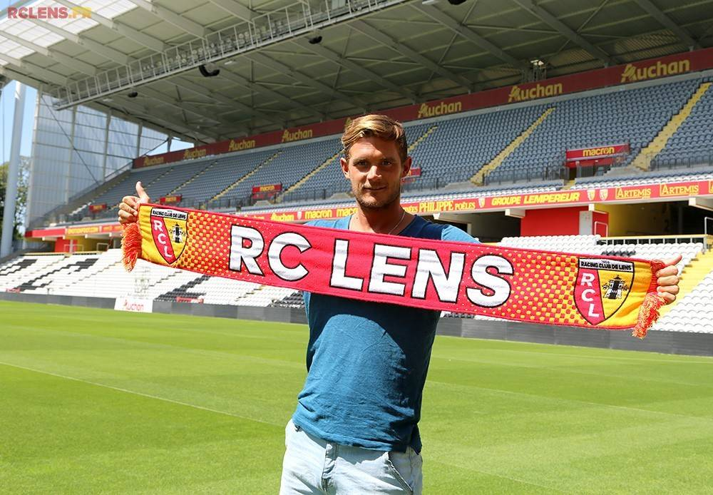 官方:朗斯签下比利时前国脚
