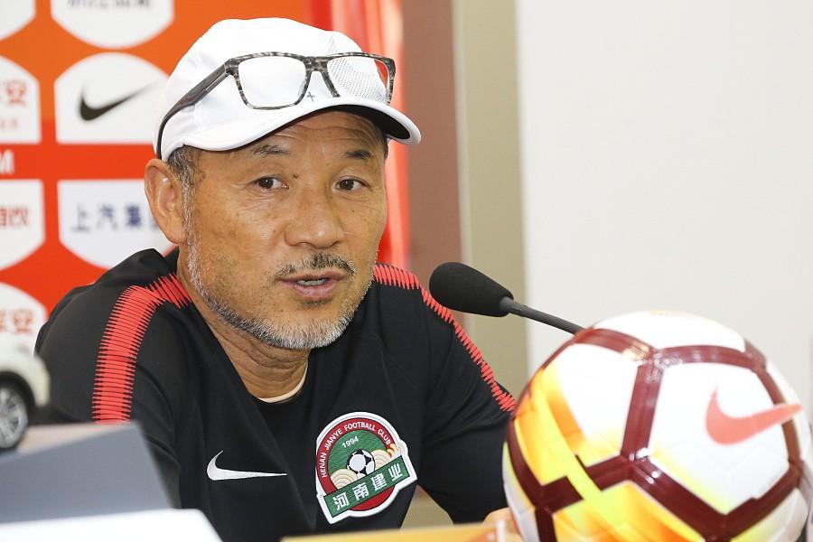张外龙:我相信球队会保级成功
