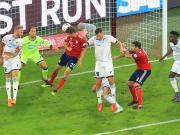 卡恩:拜仁的攻守转换有待加强
