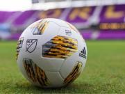 "MLS与阿迪达斯发布""踢走儿童癌症 ""特别版比赛球"