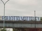罗马球迷向主席抗议:赶快滚蛋
