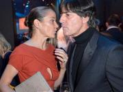 与勒夫接吻神秘女子身份曝光:德国知名女演员,两人相识两年