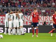 拜仁0-3门兴遭遇联赛两连败同时跌出积分榜前四,阿拉巴伤退