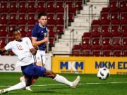英格兰U21队2-0击败苏格兰,万-比萨卡首发踢满全场