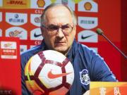 施蒂利克:会尝试踢不漂亮足球
