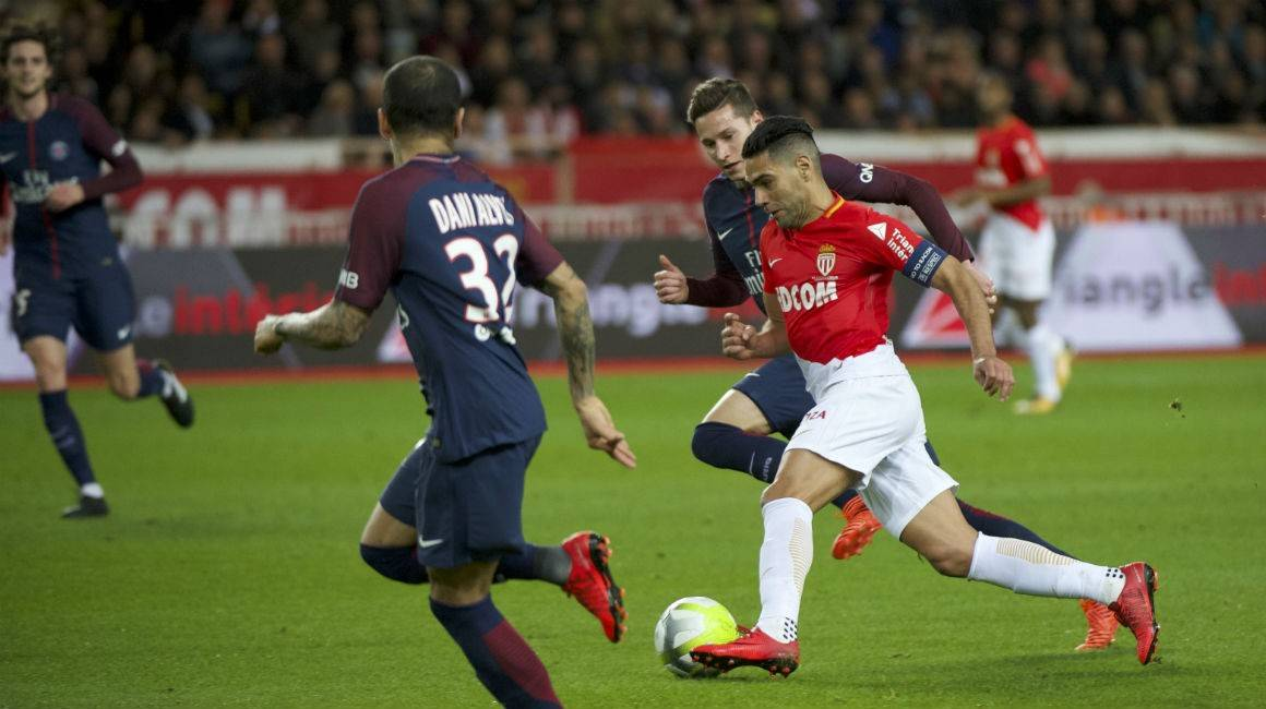 卡瓦尼戴帽,摩纳哥主场0-4不敌巴黎圣日尔曼