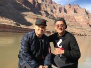 黄博文携儿子乐游美国,感受大峡