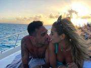 图集:扎哈维全家度假墨西哥,与娇妻红海滩前拥吻
