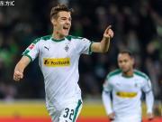德甲综述:门兴3-0斯图加特重回次席;美因茨1-1汉诺威96