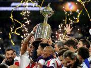 昨晚,南美解放者杯决赛的阿根廷德比第二回合在伯纳...