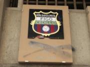 不满,球迷让巴萨取消菲戈广场