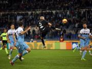 萨波纳拉奉献神奇绝平,球迷用文身铭记进球