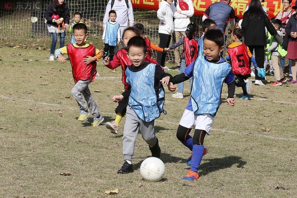 """中国足球青训发展不平衡的短板应该加强""""我们"""
