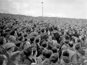 1947年,切尔西坐镇斯坦福桥球场迎战阿森纳,比...