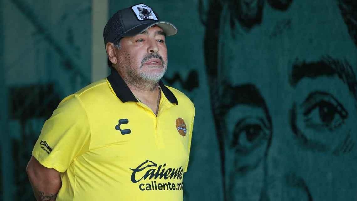本周六,马拉多纳回到布宜诺斯艾利斯的医院,并成功...