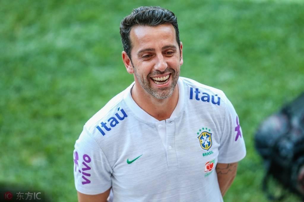 加里宁格勒体育场:不回阿森纳埃杜想留在巴西队