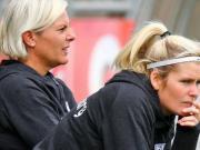 女教练回应记者性别玩笑:我依据丁丁大小来挑球员